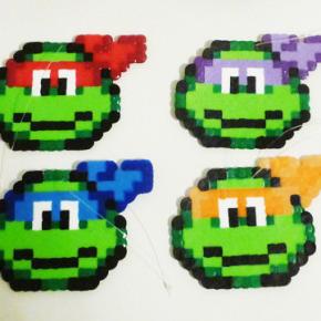 Teenage Mutant Ninja Turtles Perler Bead Christmas Tree Topper and Ornament Set (5 Piece) byLighterCases