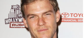 Alan Ritchson Defends Bay's TMNT